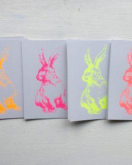 Postkarte Hase neon
